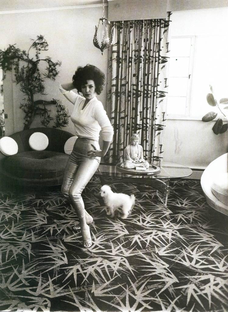 Diane Arbus, Blaze Starr in her living room, July 1964